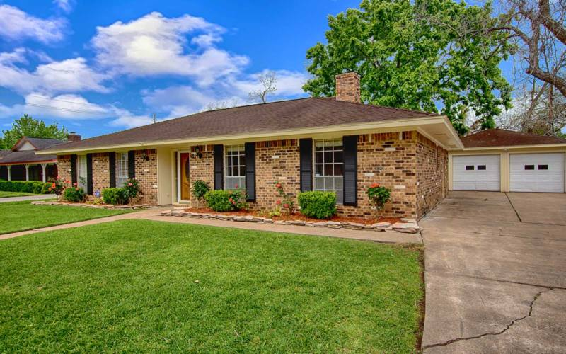 Gorgeous 4BD 2BA Home For Sale in League City » The Monica Foster on city photography, city wide gargae sale, city sports, city events, city alarm systems sale, city wide yard sale, city vintage, city direct tv sale, city bbq, city clothes, city painting,